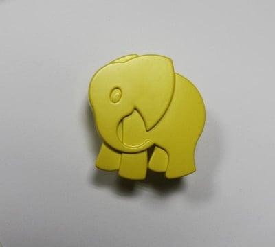 Мебелна дръжка слонче жълто