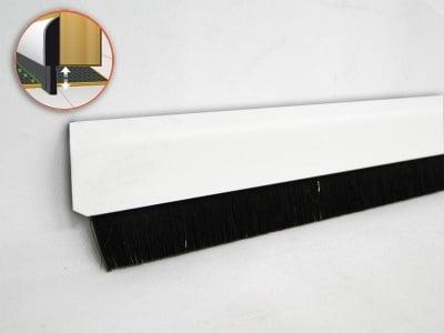 PVC уплътнител за врата с четка 1 м. бял - GEKO