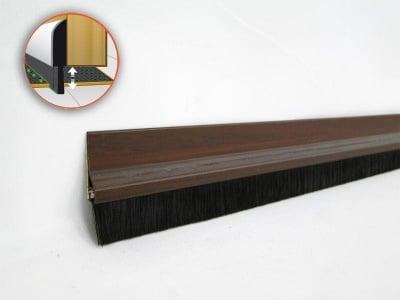 PVC уплътнител за врата с четка 1 м. кафяв - GEKO