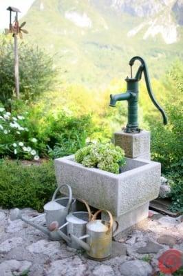 Чугунена ръчна помпа за вода