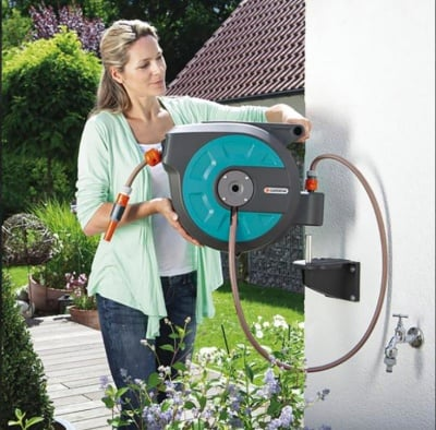 Комплект градински маркуч в кутия за стенен монтаж - 15 м Comfort Gardena