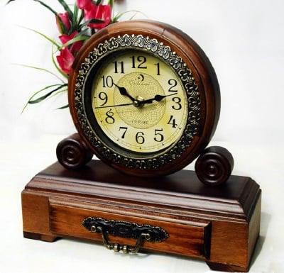 Настолен часовник Ретро