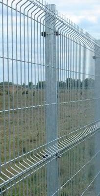 Поцинкован кол с планка  за оградно пано H150