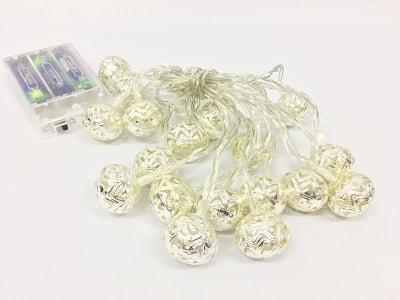 Коледни лампички-Сребърни топки