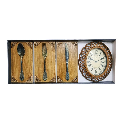 Часовник с декорации