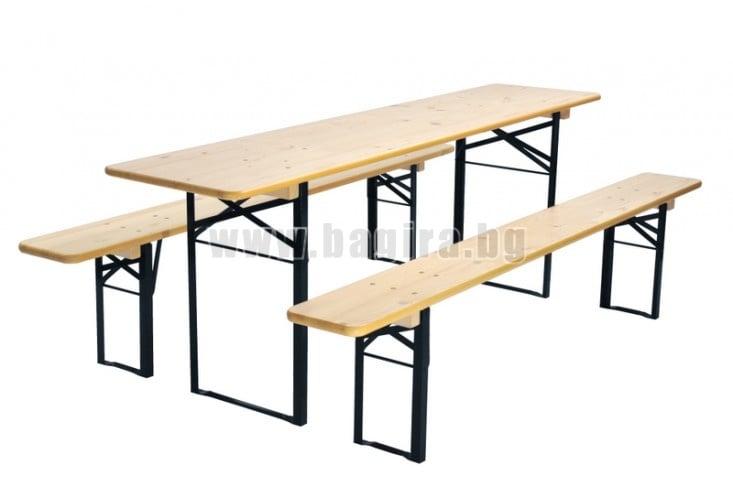 Комплект дървена маса с пейки