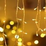 Коледна LED светеща завеса  -  топло бяла светлина
